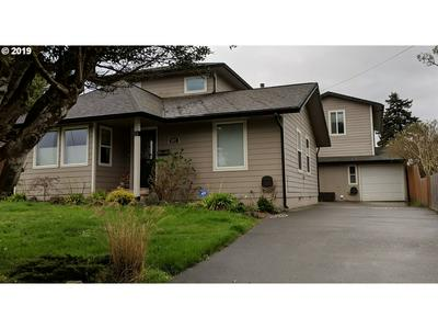 1377 HIGHLAND AVE, Coos Bay, OR 97420 - Photo 2