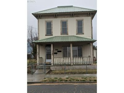 416 SE 6TH ST, Pendleton, OR 97801 - Photo 2