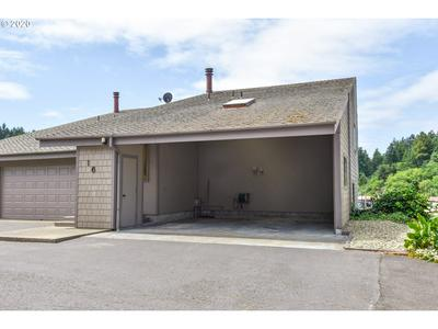 911 PARK AVE # 16, Lakeside, OR 97449 - Photo 2