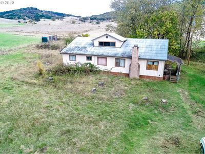 890 JONES RD, Roseburg, OR 97471 - Photo 2