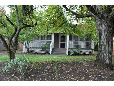 910 W 28TH AVE, Eugene, OR 97405 - Photo 2