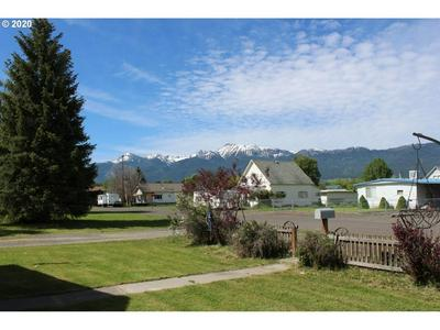 405 NW 2ND ST, Enterprise, OR 97828 - Photo 2