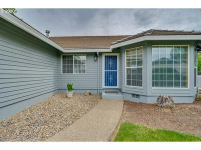 109 SW SPRUCE ST, Dundee, OR 97115 - Photo 2