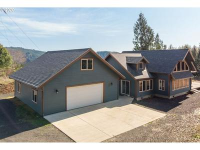 2636 WESTERN DR, COQUILLE, OR 97423 - Photo 2