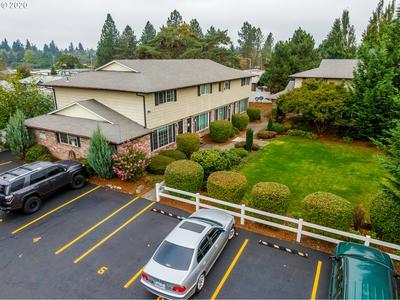 7833 SE JOHNSON CREEK BLVD, Portland, OR 97206 - Photo 2