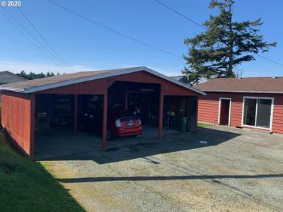 961 GARFIELD AVE, Coos Bay, OR 97420 - Photo 2