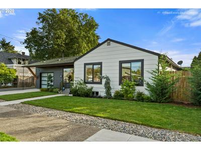 7216 N SYRACUSE ST, Portland, OR 97203 - Photo 2