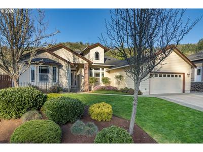 302 OAK VALLEY LOOP, Winchester, OR 97495 - Photo 2
