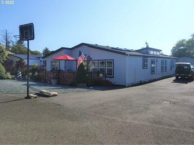 1087 NE TILLAMOOK AVE, Rockaway Beach, OR 97136 - Photo 2