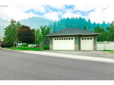 382 OAK VALLEY LOOP, Winchester, OR 97495 - Photo 2