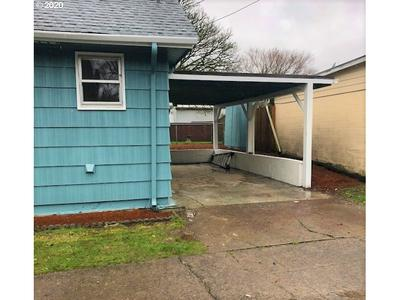 807 N 8TH AVE, KELSO, WA 98626 - Photo 2