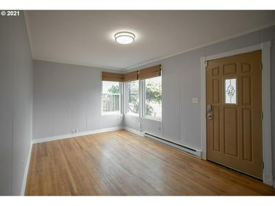 9437 N PORTSMOUTH AVE, Portland, OR 97203 - Photo 2