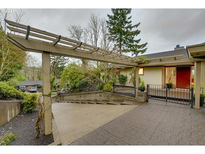 1534 SW CARDINELL DR, Portland, OR 97201 - Photo 2