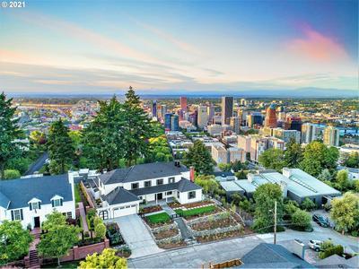 1011 SW DAVENPORT ST, Portland, OR 97201 - Photo 1