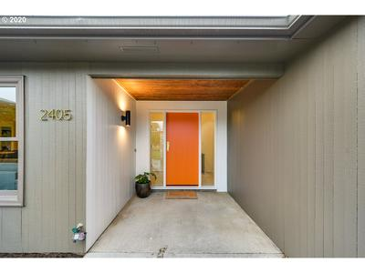 2405 SW BURBANK AVE, Portland, OR 97225 - Photo 2