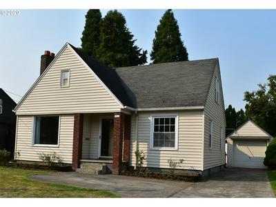 2311 SE CESAR E CHAVEZ BLVD, Portland, OR 97214 - Photo 1