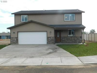 301 RIVERWOOD CT, McNary, OR 97882 - Photo 1