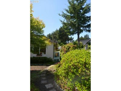 1601 RHODODENDRON DR SPC 661, Florence, OR 97439 - Photo 2