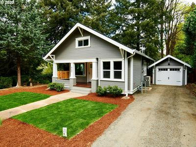 8102 SW 39TH AVE, Portland, OR 97219 - Photo 2