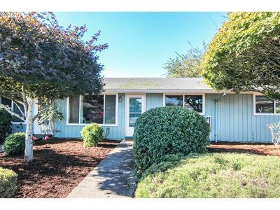 13647 GAFFNEY LN APT 8, Oregon City, OR 97045 - Photo 1