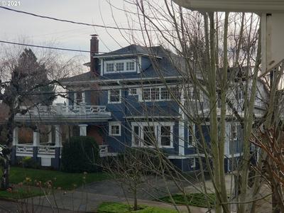3209 SE 31ST AVE, Portland, OR 97202 - Photo 2