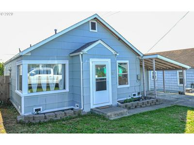 727 E 10TH ST, Coquille, OR 97423 - Photo 1