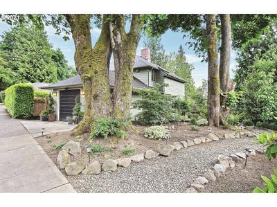 3905 SW COUNCIL CREST DR, Portland, OR 97239 - Photo 1