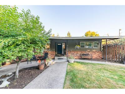 2325 W 23RD AVE, Eugene, OR 97405 - Photo 2