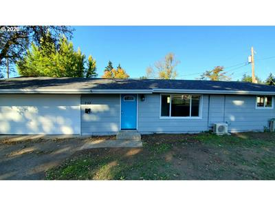 732 TAYLOR AVE, Cottage Grove, OR 97424 - Photo 2