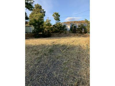 228 CHESTNUT ST, Dallesport, WA 98617 - Photo 1