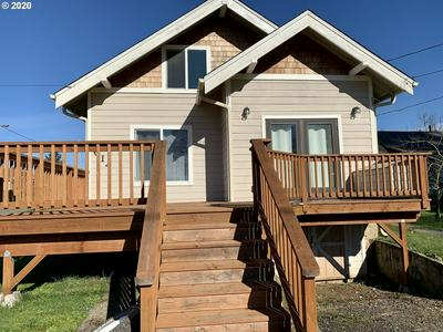 614 E 9TH ST, COQUILLE, OR 97423 - Photo 2