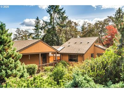 530 W 35TH PL, Eugene, OR 97405 - Photo 1