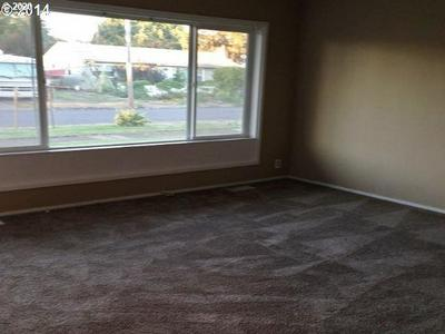 1379 L ST, SPRINGFIELD, OR 97477 - Photo 2