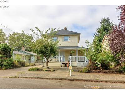 8955 N BERKELEY AVE, Portland, OR 97203 - Photo 1