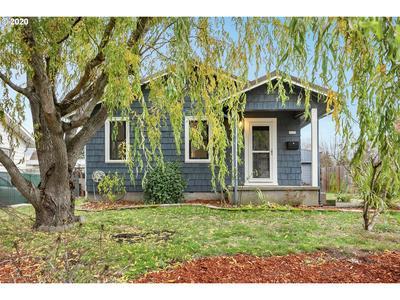 8935 N LEONARD ST, Portland, OR 97203 - Photo 1