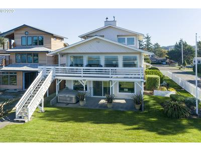 516 25TH AVE, Seaside, OR 97138 - Photo 2