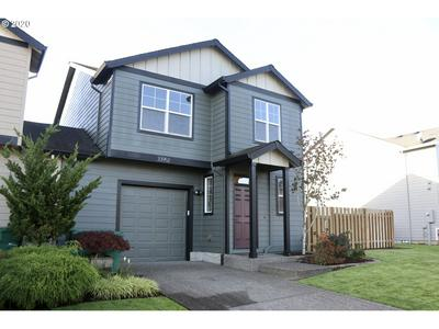 33952 ROLLING HILLS DR, Scappoose, OR 97056 - Photo 1