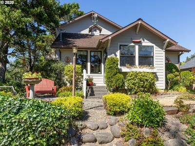 440 13TH AVE, Seaside, OR 97138 - Photo 1