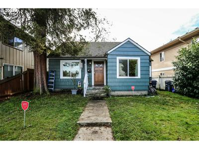 25 D ST, Springfield, OR 97477 - Photo 2