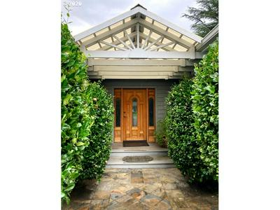 2172 W FOOTHILL DR, Roseburg, OR 97471 - Photo 2