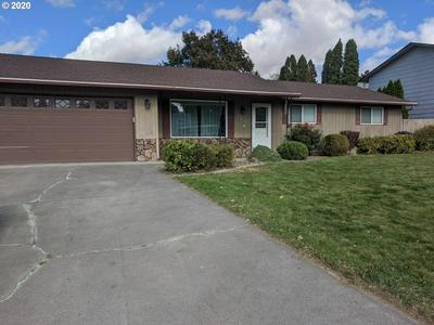 2203 SW QUINNEY DR, Pendleton, OR 97801 - Photo 1