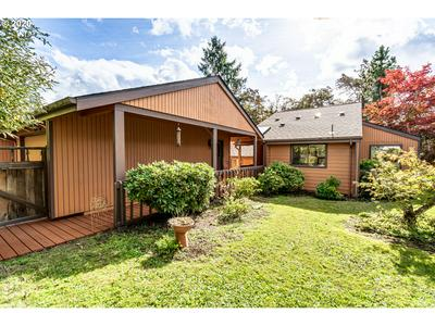 530 W 35TH PL, Eugene, OR 97405 - Photo 2