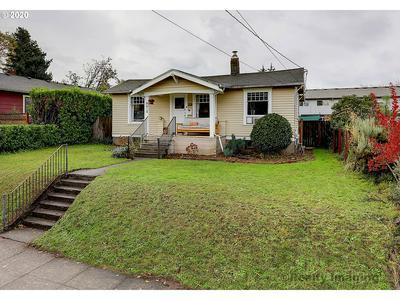 9210 N KELLOGG ST, Portland, OR 97203 - Photo 2