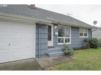 9915 N VAN HOUTEN AVE, Portland, OR 97203 - Photo 2