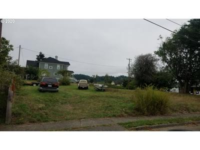 290 W 4TH ST, Coquille, OR 97423 - Photo 2