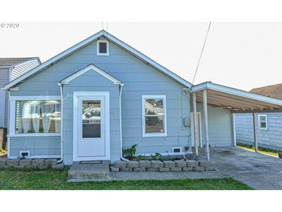 727 E 10TH ST, Coquille, OR 97423 - Photo 2