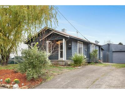 8935 N LEONARD ST, Portland, OR 97203 - Photo 2
