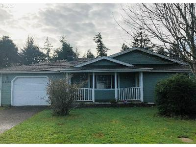 2248 17TH ST, FLORENCE, OR 97439 - Photo 1
