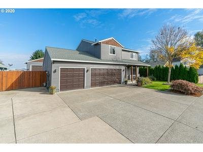 34377 HERON MEADOW DR, Scappoose, OR 97056 - Photo 2