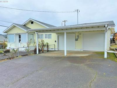 626 E 10TH ST, Coquille, OR 97423 - Photo 1